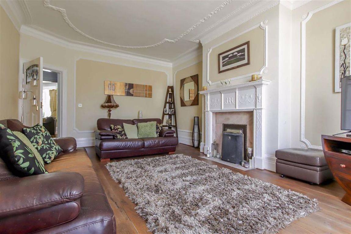 6 Bedroom Semi-detached House For Sale - Image 4