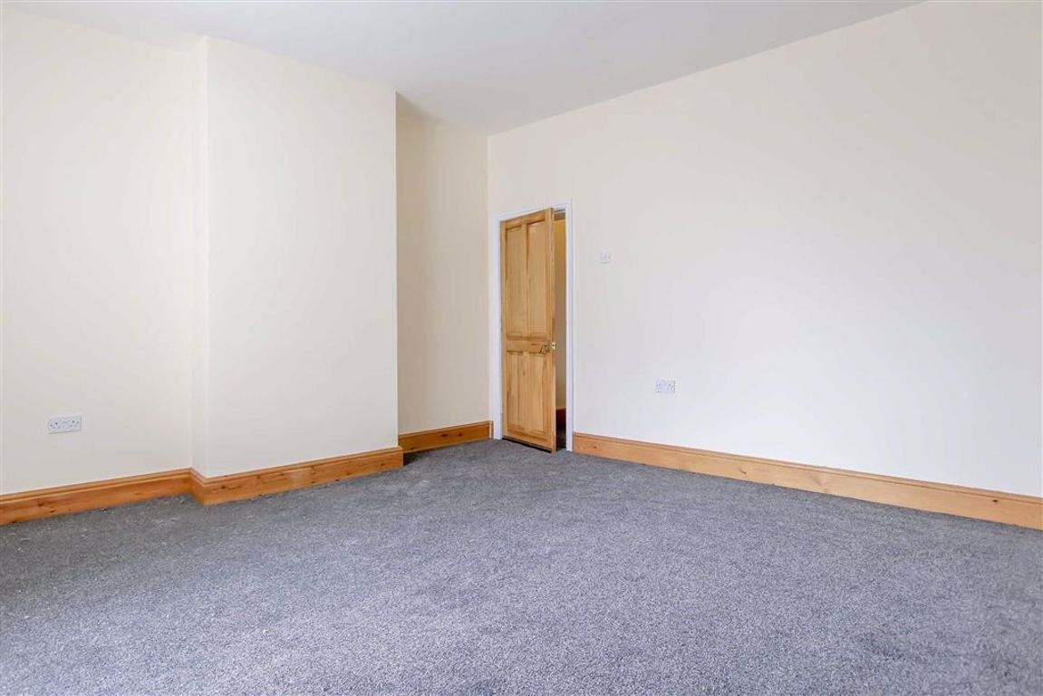 2 Bedroom End Terrace House For Sale - Image 7