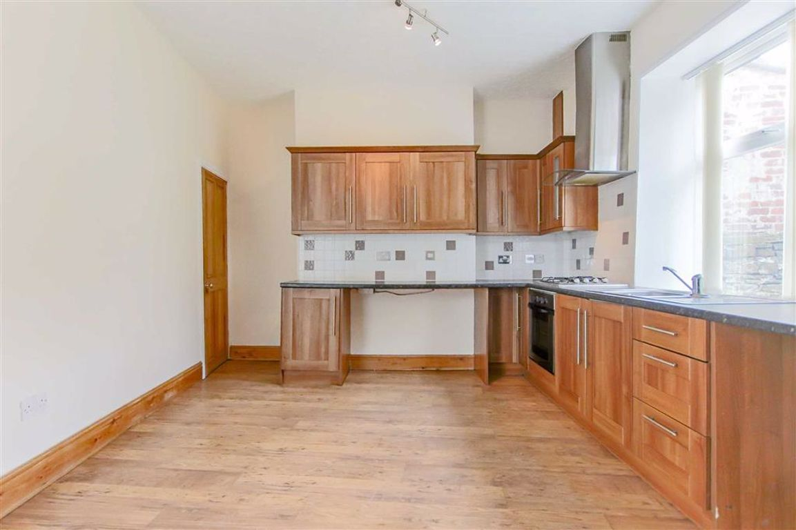 2 Bedroom End Terrace House For Sale - Image 3