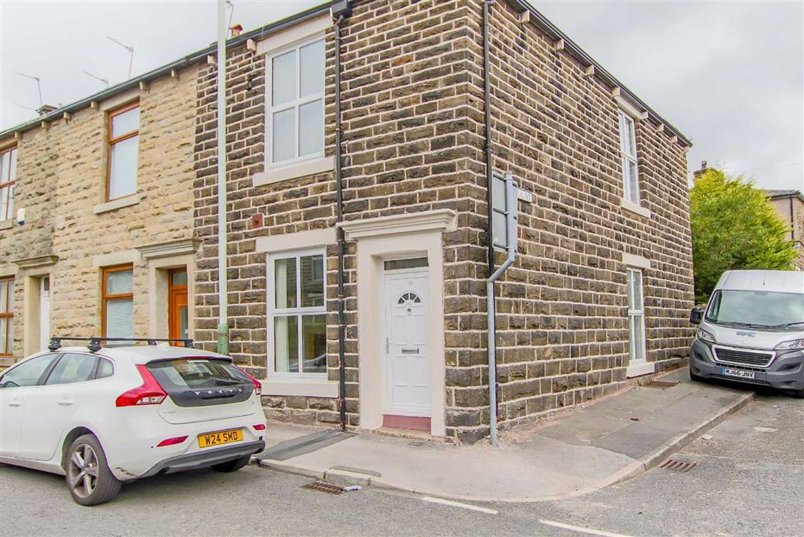 2 Bedroom End Terrace House For Sale - Image 9