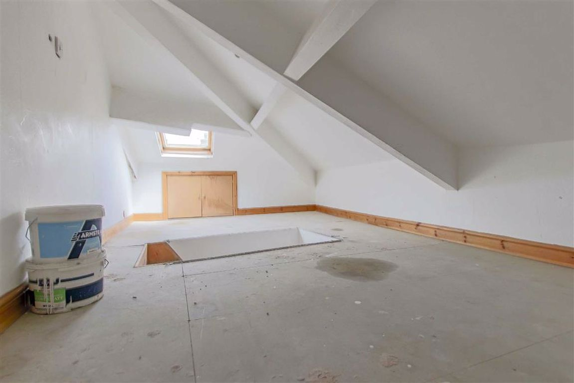 2 Bedroom End Terrace House For Sale - Image 8