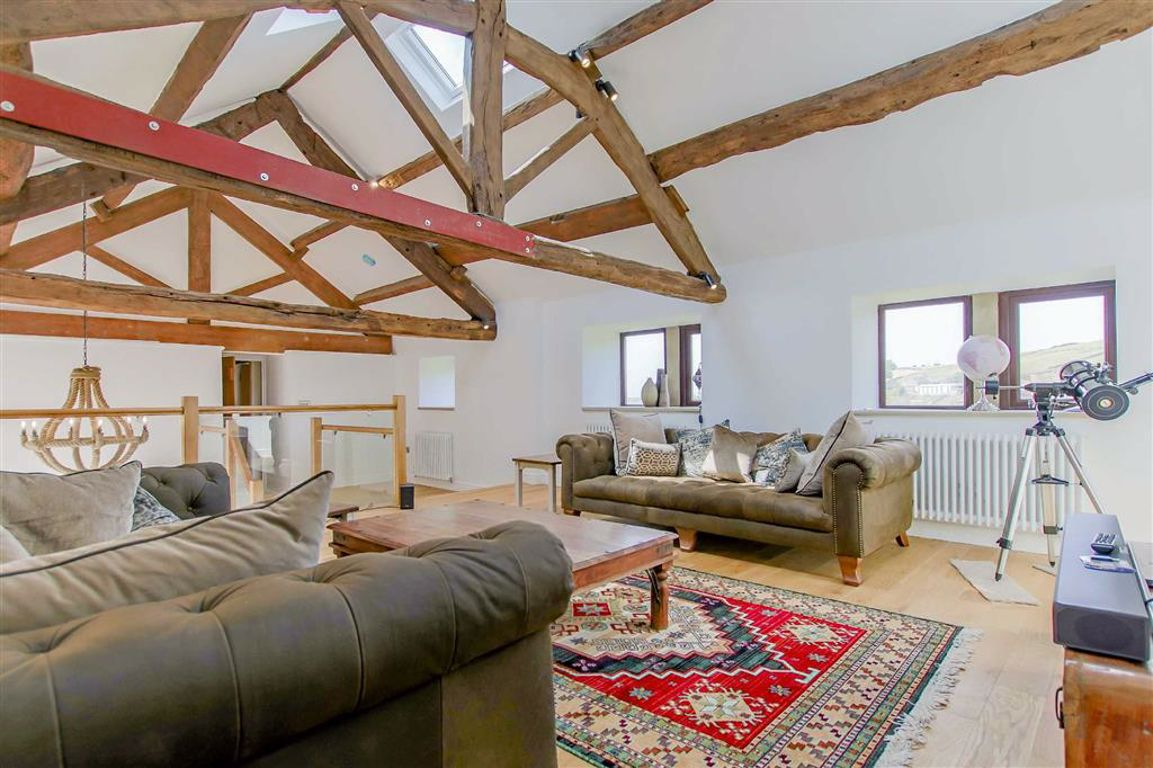5 Bedroom Farmhouse For Sale - Image 3