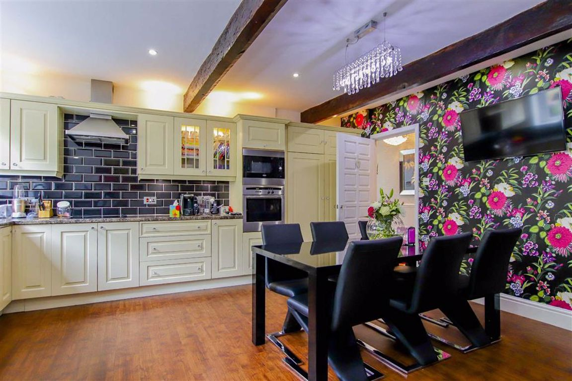 4 Bedroom Detached House For Sale - Image 13