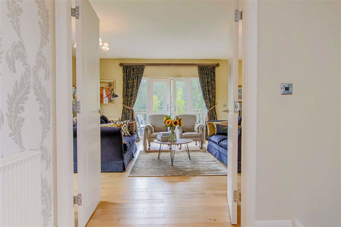 5 Bedroom Detached House For Sale - Image 39