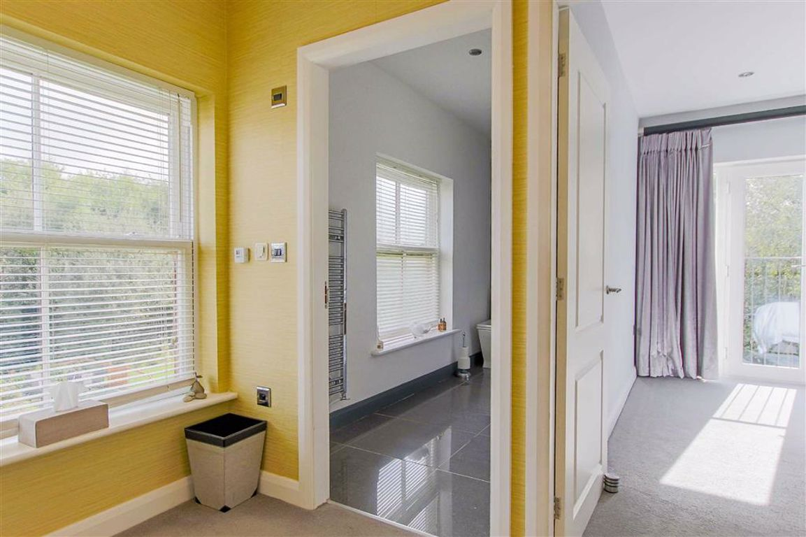 5 Bedroom Detached House For Sale - Image 40