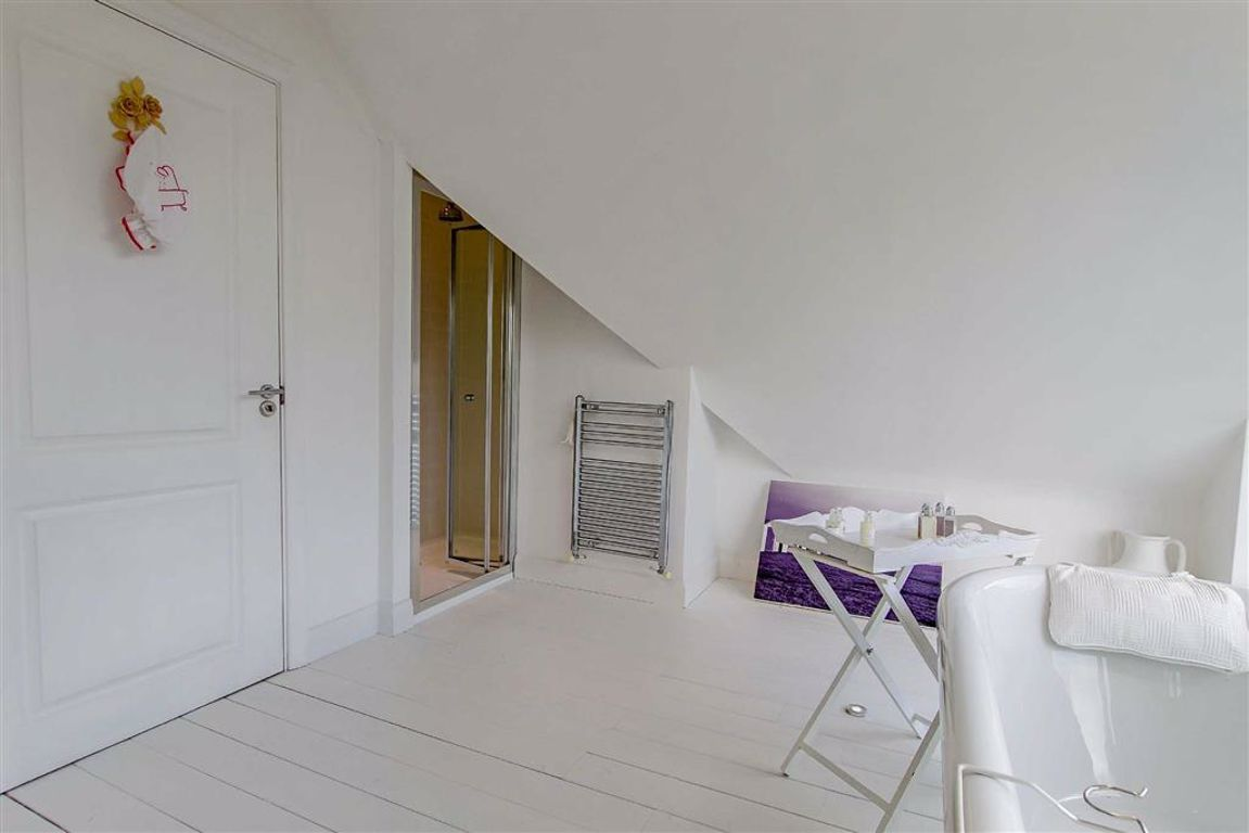 5 Bedroom Detached House For Sale - Image 26