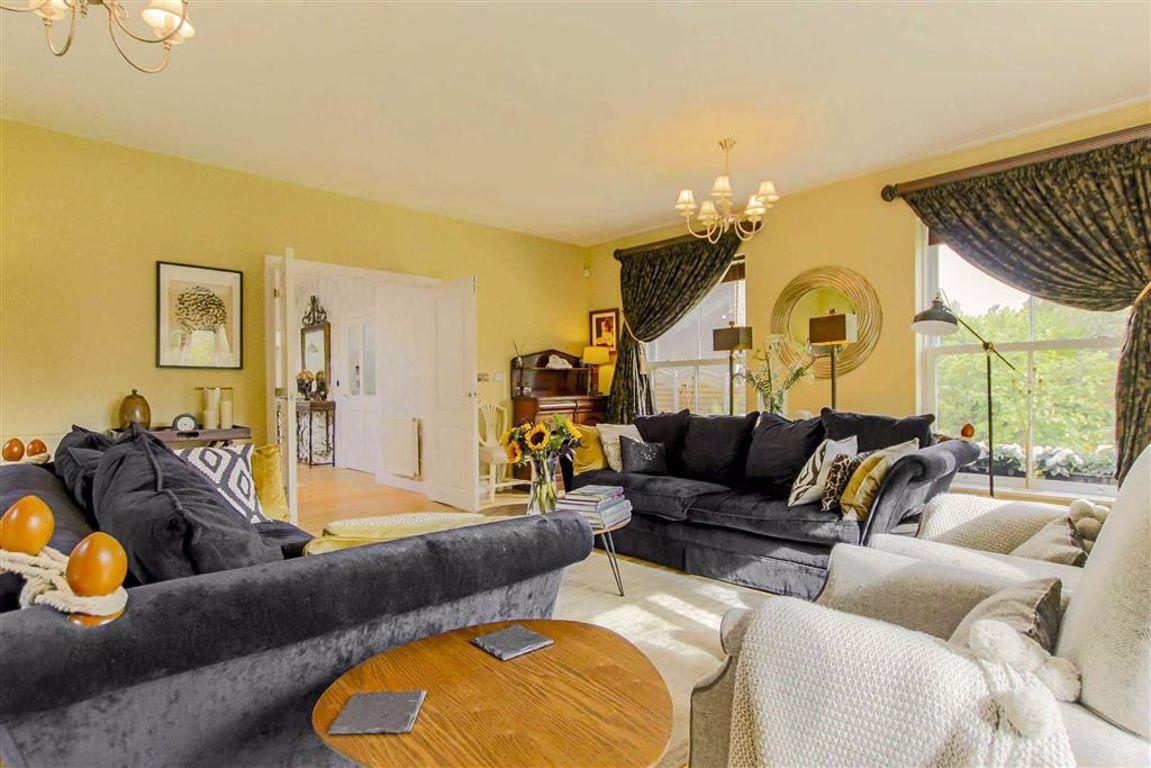 5 Bedroom Detached House For Sale - Image 17
