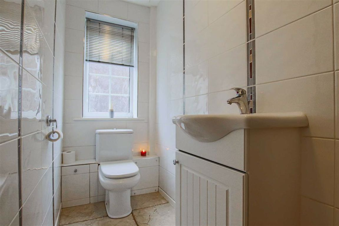 5 Bedroom Detached House For Sale - Image 20