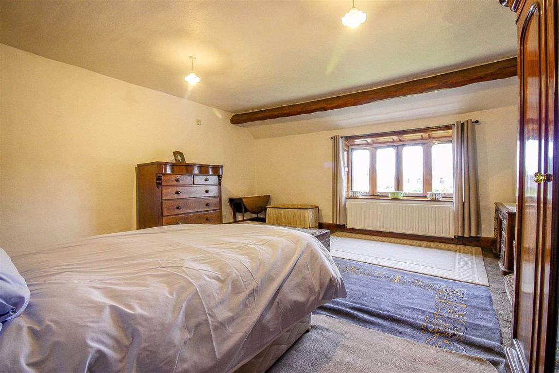 4 Bedroom Semi-detached House For Sale - Image 34