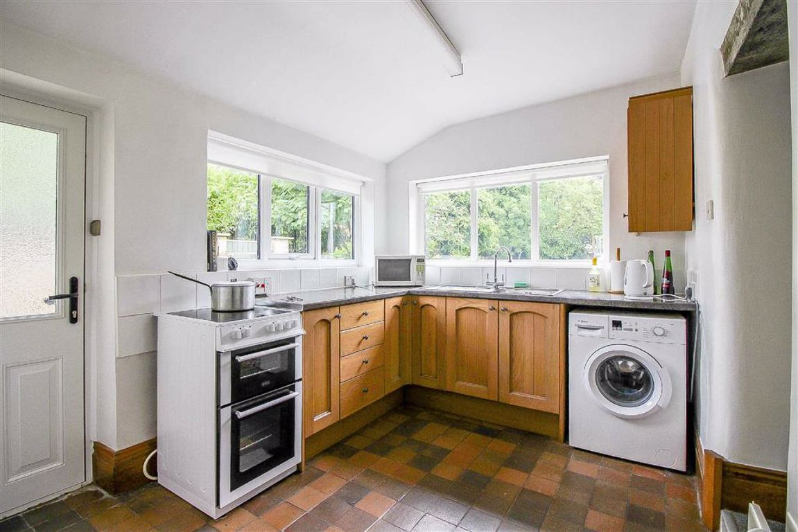 4 Bedroom Semi-detached House For Sale - Image 3