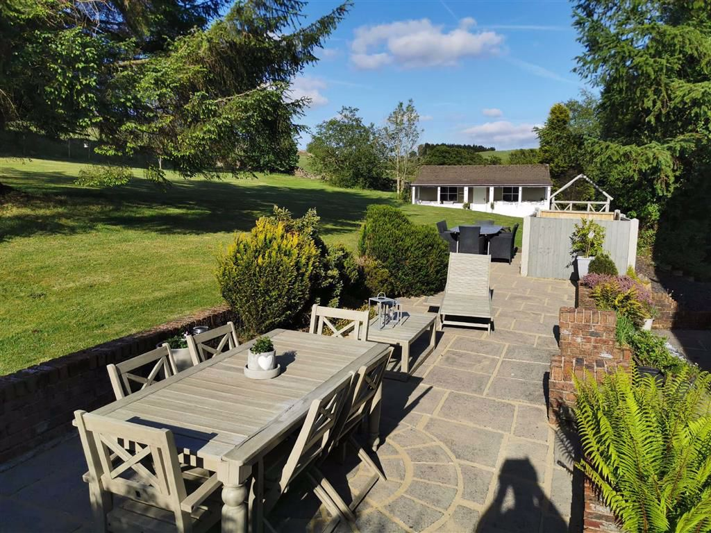 4 Bedroom Semi Detached Cottage For Sale - Image 15