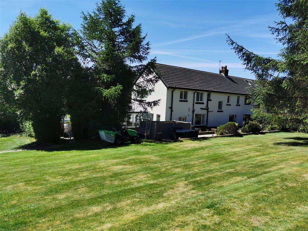 4 Bedroom Semi Detached Cottage For Sale - Image 42