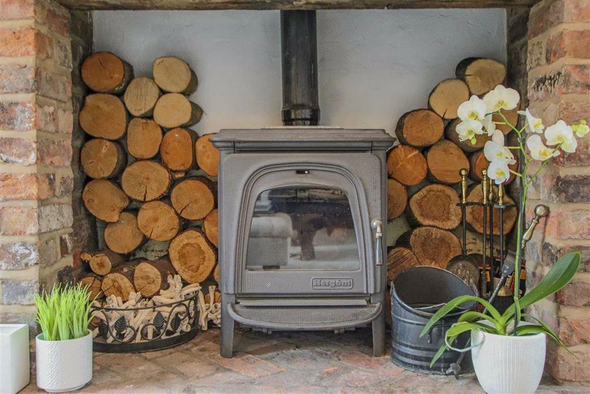 4 Bedroom Semi Detached Cottage For Sale - Image 39