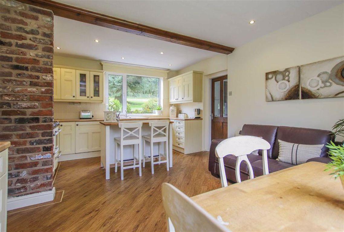 4 Bedroom Semi Detached Cottage For Sale - Image 19