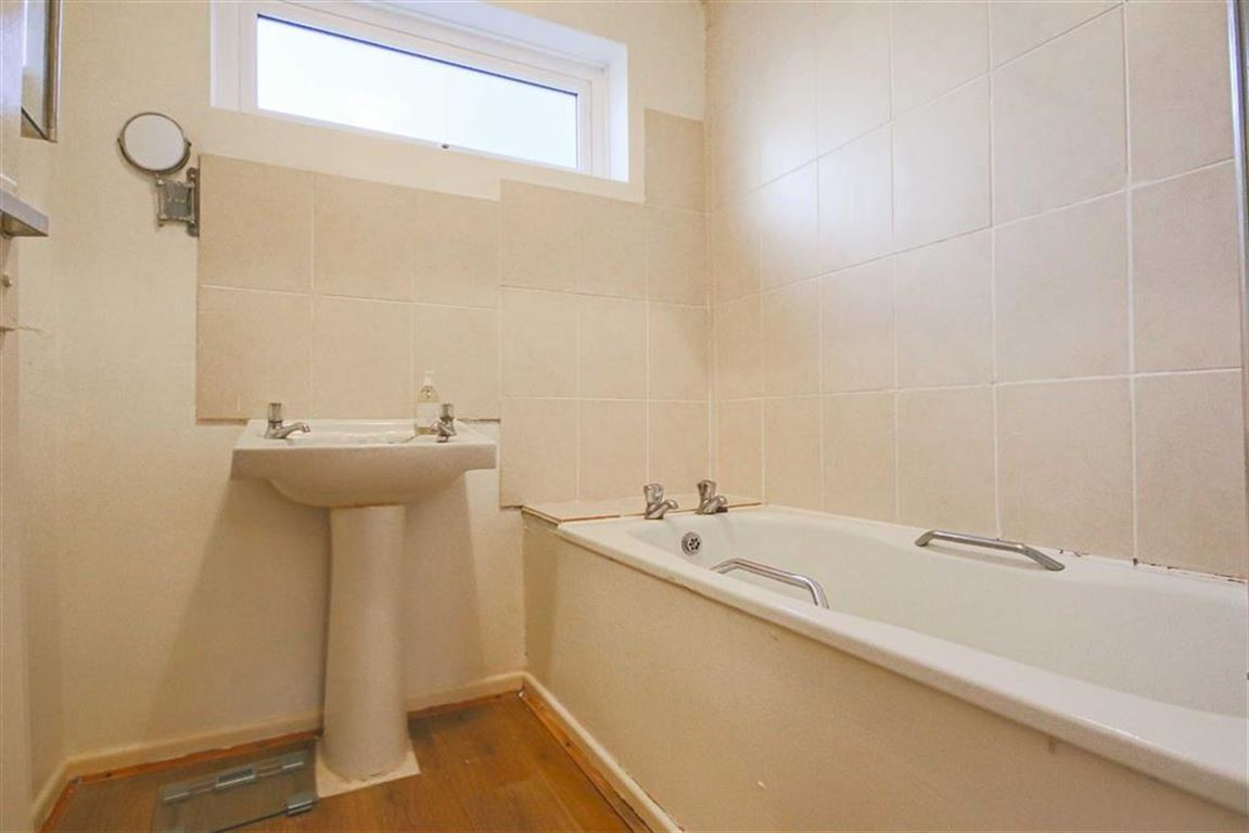 3 Bedroom Mews House For Sale - Image 12