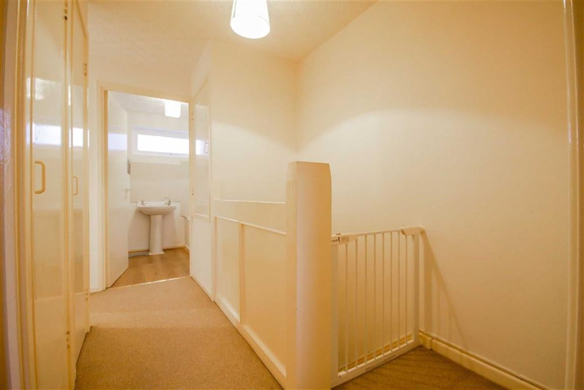3 Bedroom Mews House For Sale - Image 7