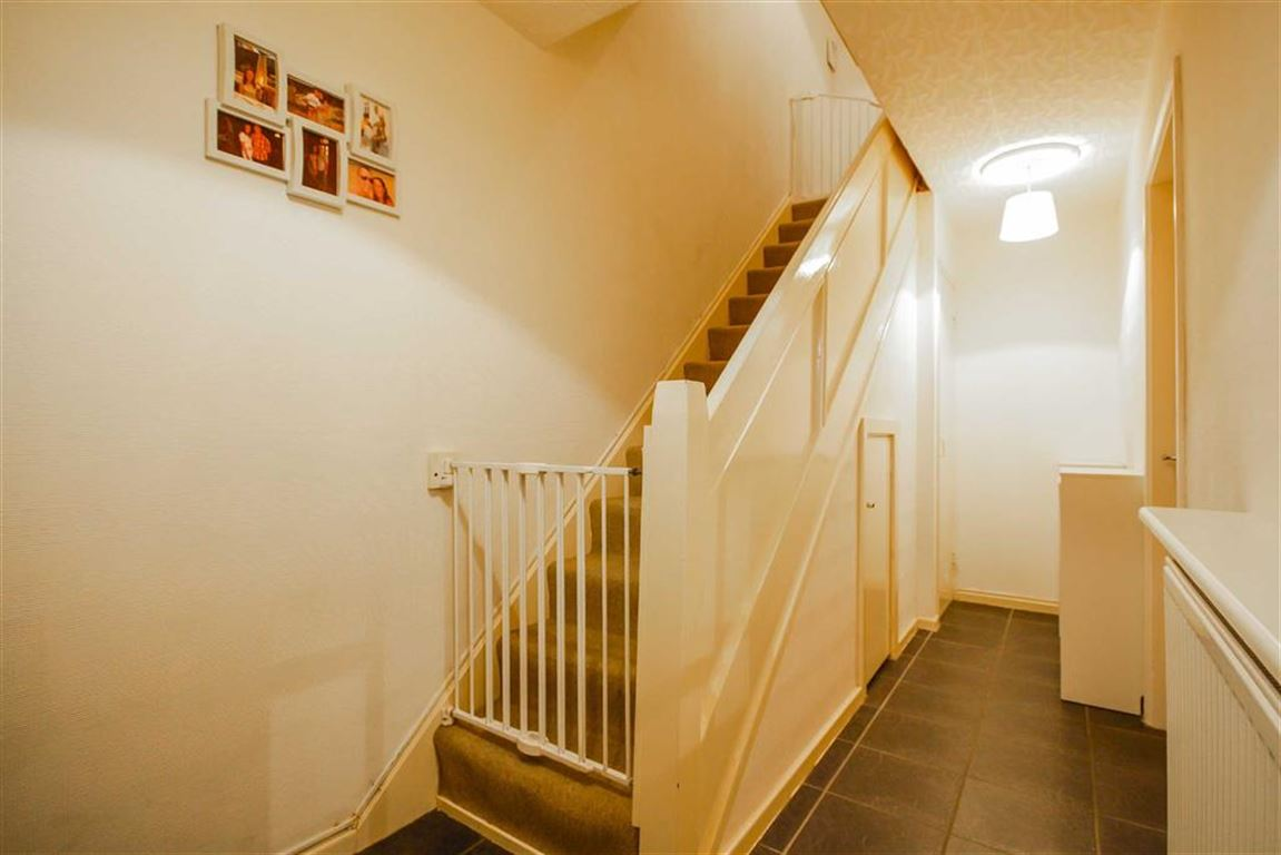 3 Bedroom Mews House For Sale - Image 8