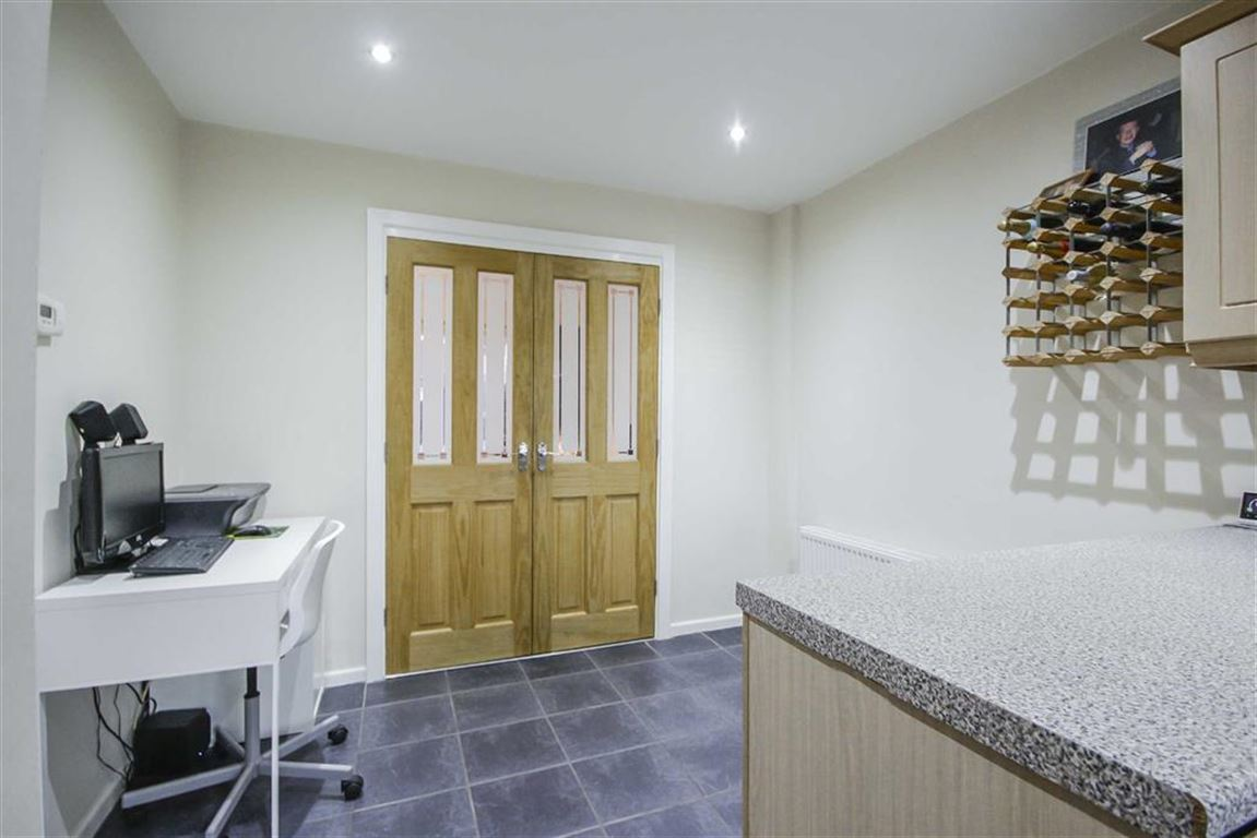3 Bedroom Mews House For Sale - Image 9