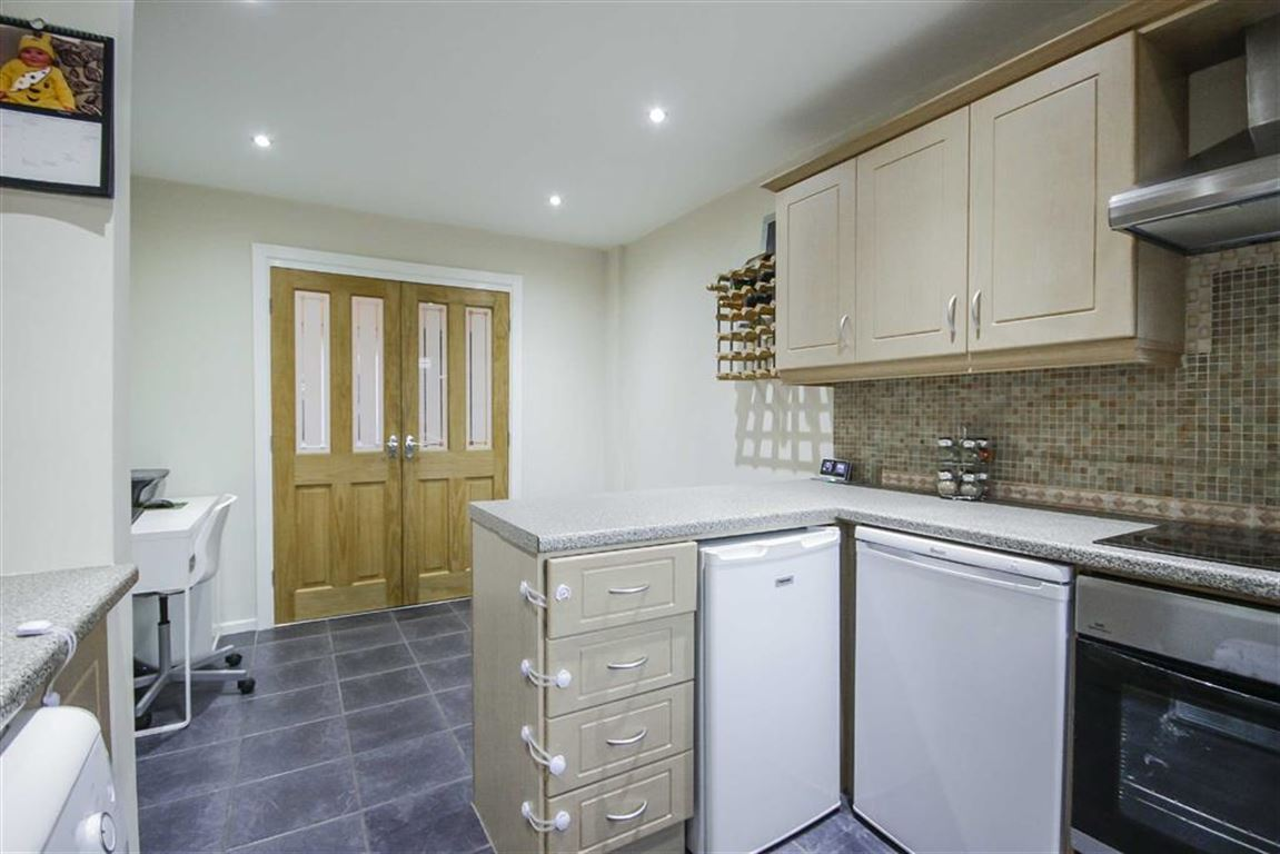 3 Bedroom Mews House For Sale - Image 16