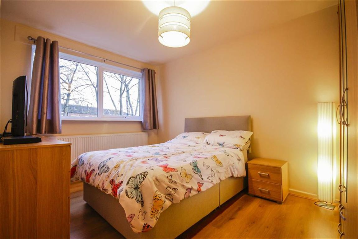 3 Bedroom Mews House For Sale - Image 4