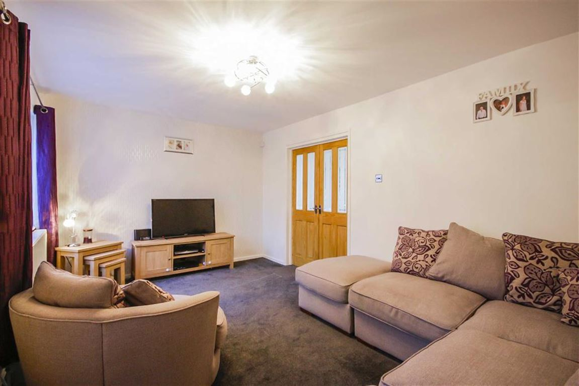 3 Bedroom Mews House For Sale - Image 2