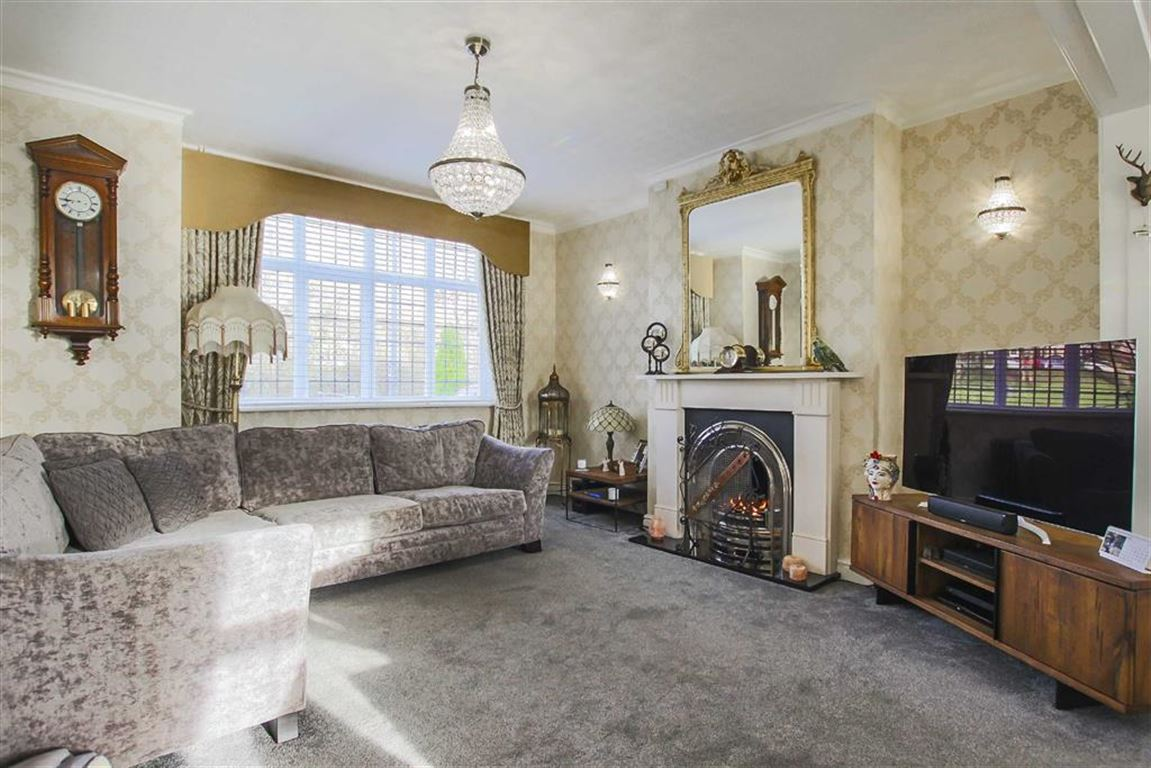 3 Bedroom Mid Terrace House For Sale - Image 6
