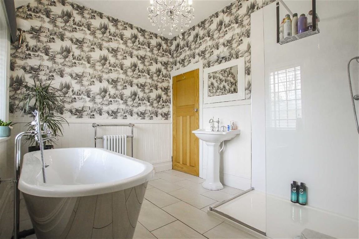 3 Bedroom Mid Terrace House For Sale - Image 23