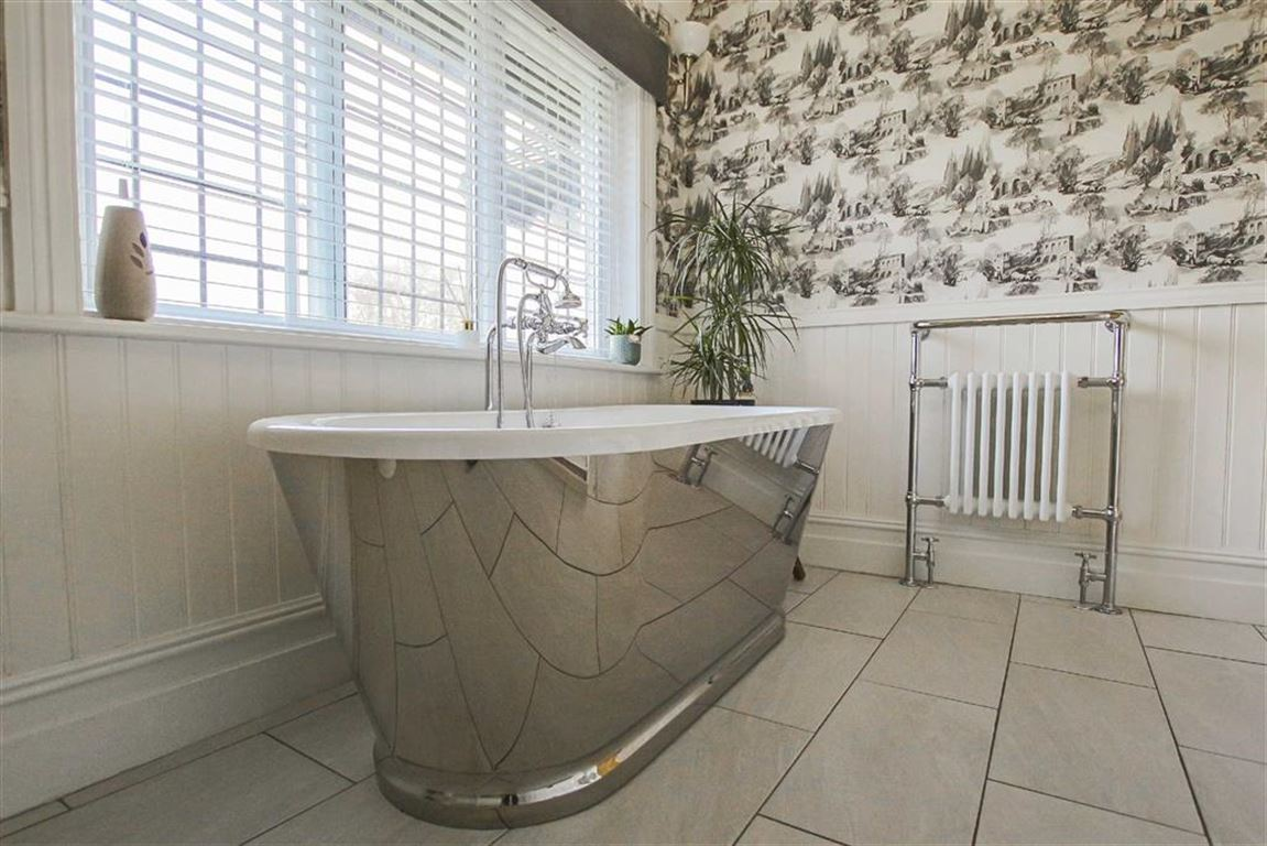 3 Bedroom Mid Terrace House For Sale - Image 22