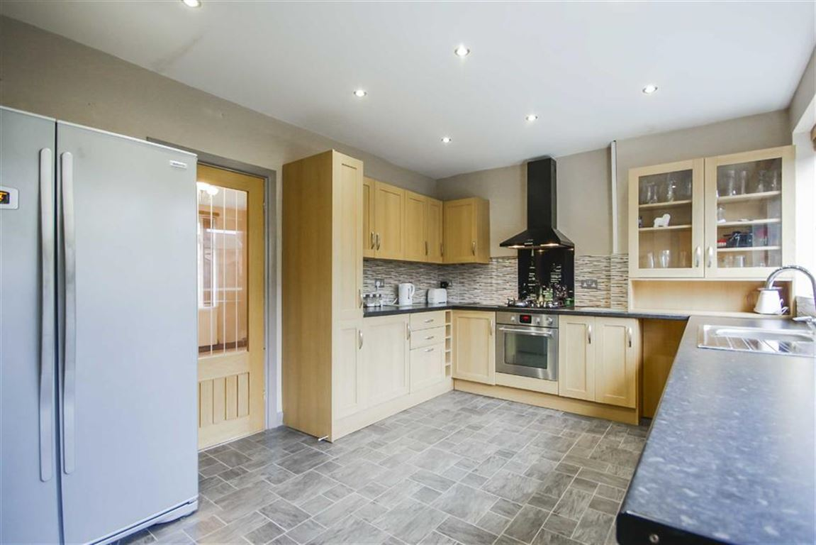 5 Bedroom Semi-detached House For Sale - Image 2