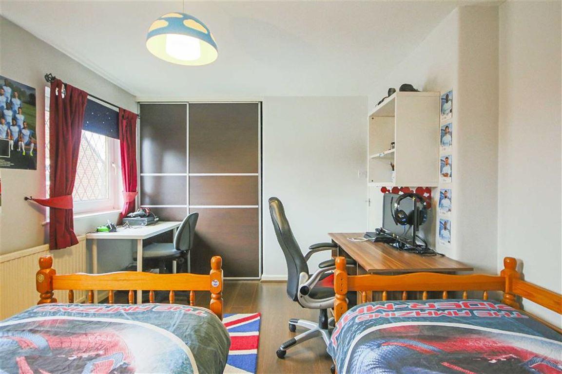 2 Bedroom Semi-detached House For Sale - Image 8