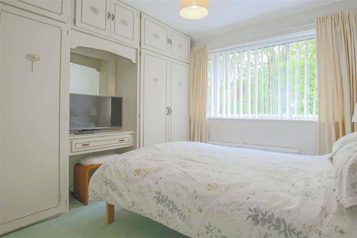 3 Bedroom Detached House For Sale - Image 13