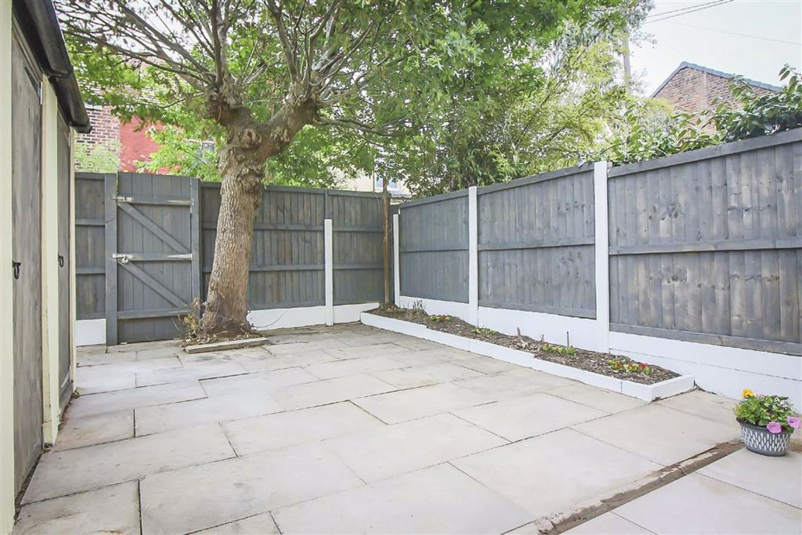 3 Bedroom Semi-detached House For Sale - Image 15