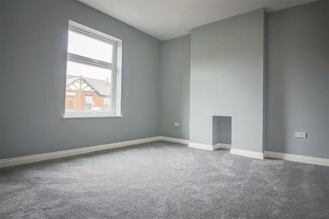 3 Bedroom Semi-detached House For Sale - Image 6
