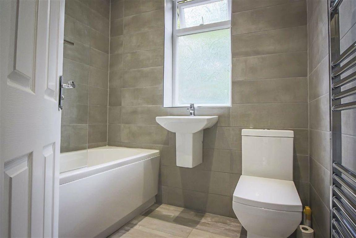 3 Bedroom Semi-detached House For Sale - Image 16