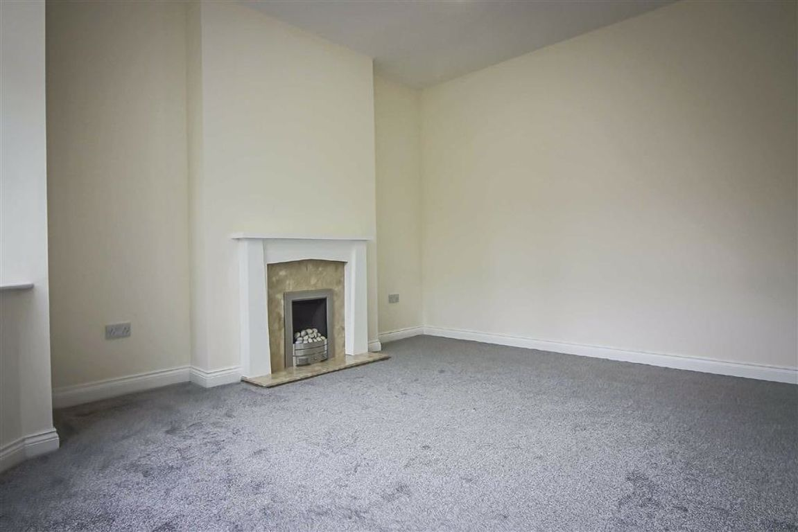 3 Bedroom Semi-detached House For Sale - Image 18