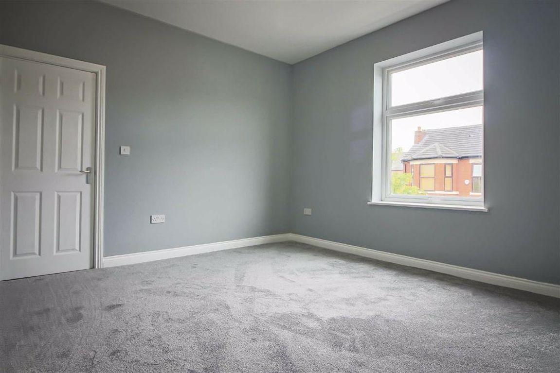 3 Bedroom Semi-detached House For Sale - Image 9
