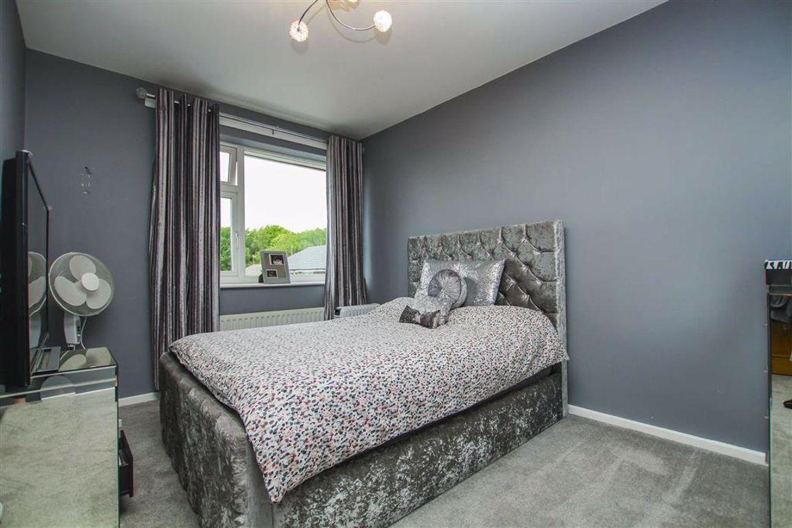 3 Bedroom Detached House For Sale - Image 12