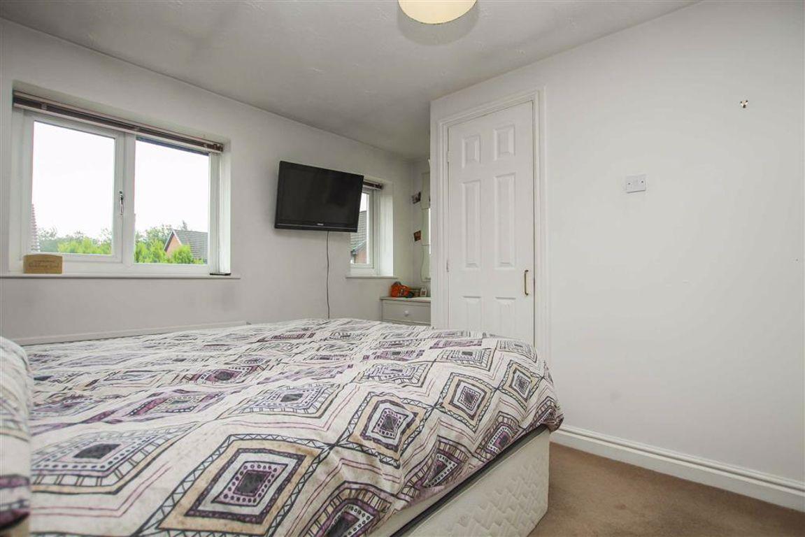 2 Bedroom Semi-detached House For Sale - Image 9