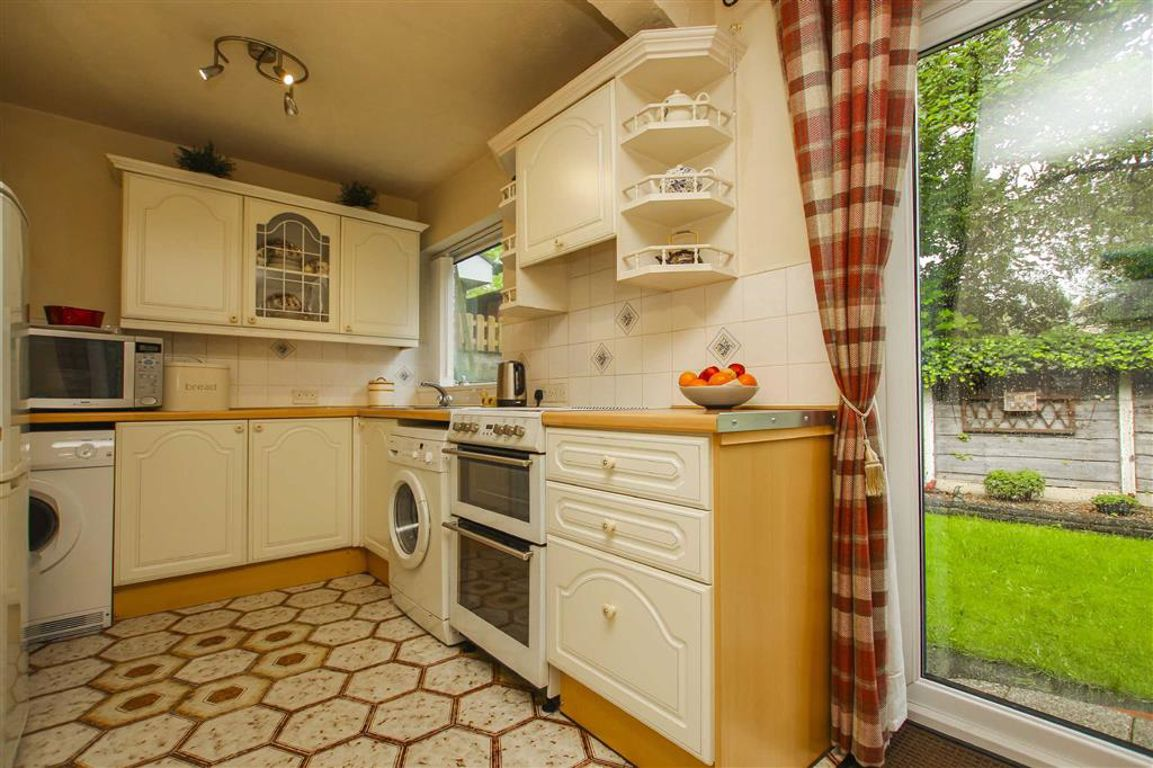 3 Bedroom Semi-detached House For Sale - Image 6