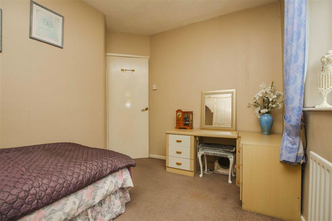3 Bedroom Semi-detached House For Sale - Image 11