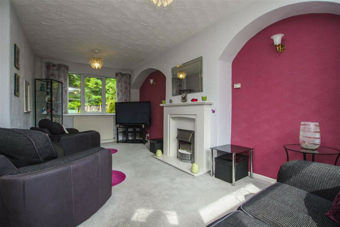3 Bedroom Semi-detached House For Sale - Image 17