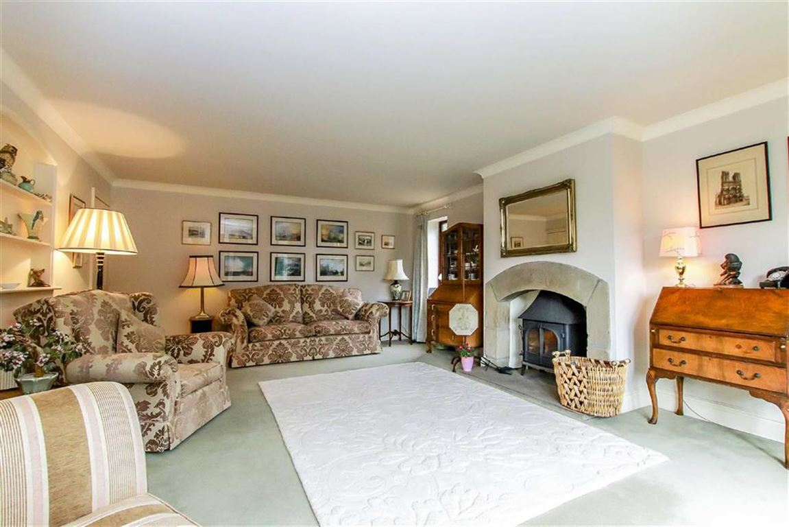 4 Bedroom Farmhouse For Sale - Image 14