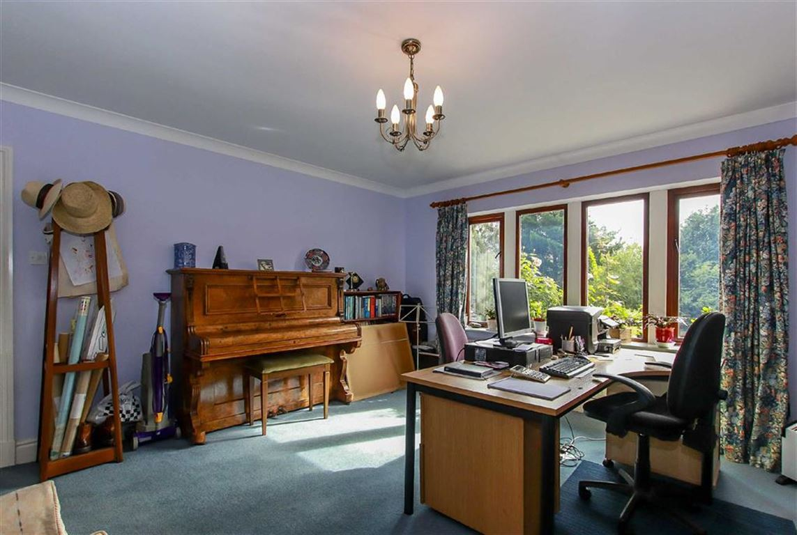 5 Bedroom Detached House For Sale - Image 36