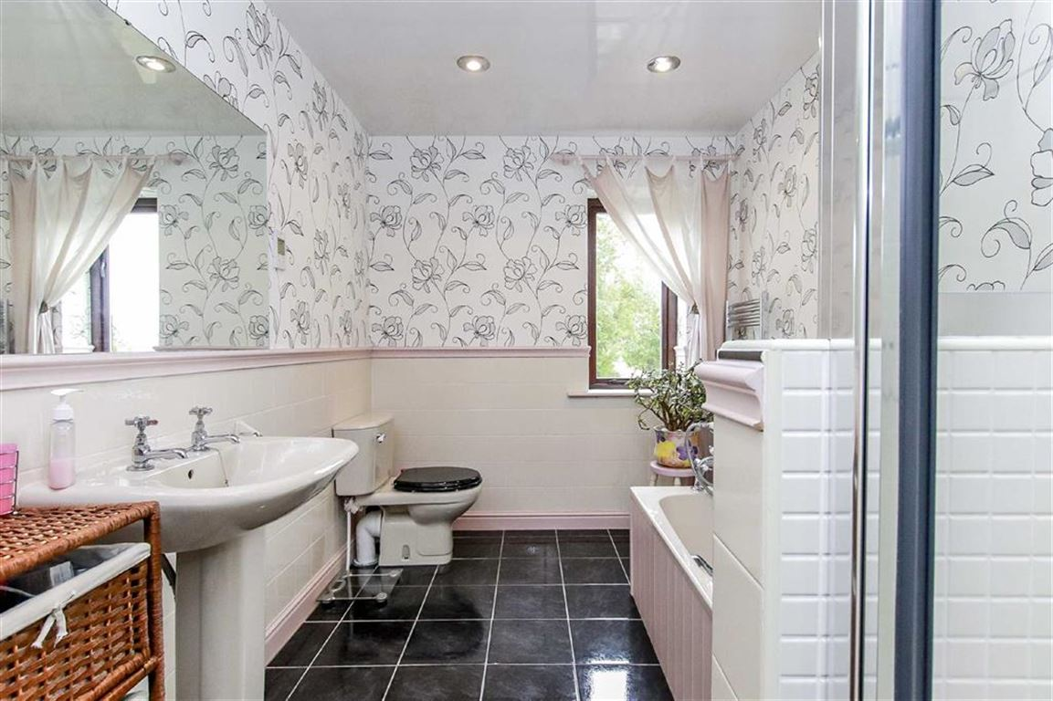 5 Bedroom Detached House For Sale - Image 20