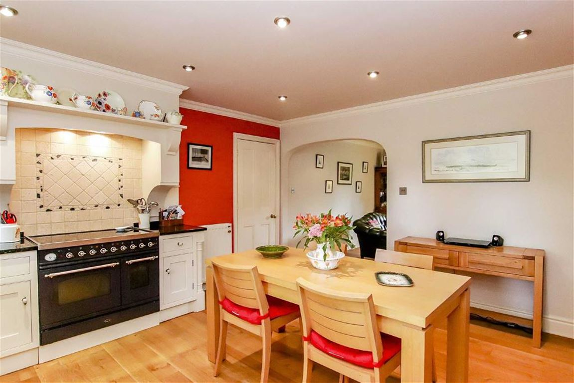 5 Bedroom Detached House For Sale - Image 32