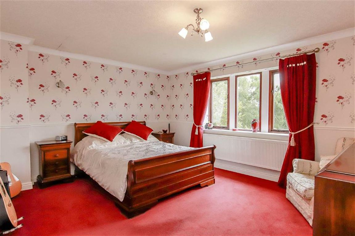 5 Bedroom Detached House For Sale - Image 11