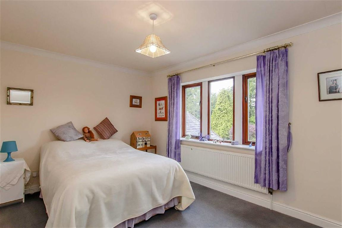 5 Bedroom Detached House For Sale - Image 17