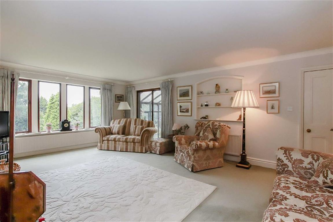 5 Bedroom Detached House For Sale - Image 18