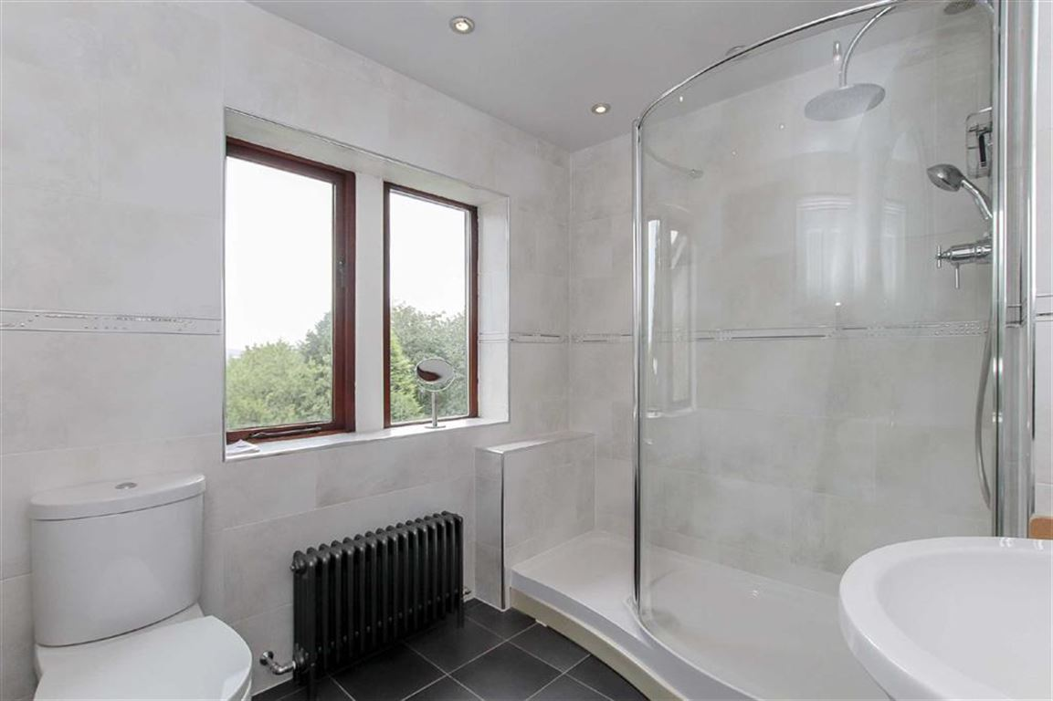 5 Bedroom Detached House For Sale - Image 8