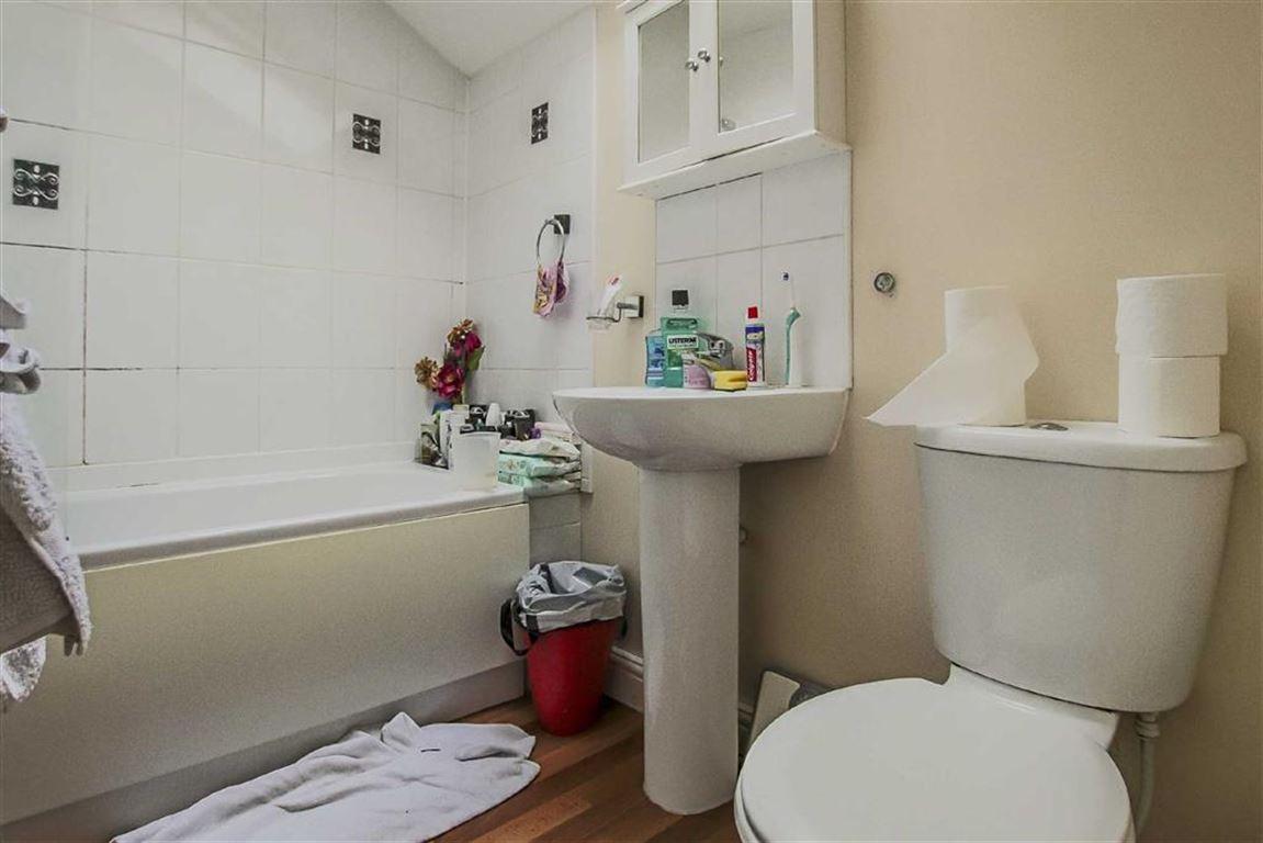 2 Bedroom Detached House For Sale - Image 3
